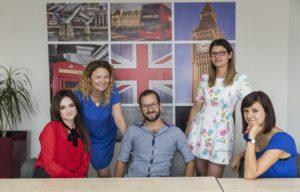 Na zdjęciu jest 4 nauczycieli angielskiego.